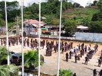 ratusan-siswa-sman-10-samarinda-menggelar-demo-di-lapangan-yayasan-melati-kaltim.jpg