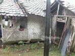rumah-pelajar-bernama-siti-nuraida-16-di-desa-cimanggu-fix-lagi.jpg