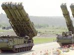 rusia-mulai-mengirim-sistem-persenjataan-s-300-ke-suriah-untuk-hadapi-israel_20180929_171719.jpg