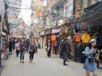 salah-satu-pusat-belanja-di-kathmandu-nepal.jpg