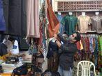 salah-satu-toko-baju-muslim-yang-ada-di-pusat-perbelanjaan-kandilo-plaza-kecamatan-tanah.jpg