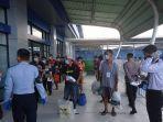 sebanyak-161-pekerja-migran-indonesia-pmi-dideportasi.jpg