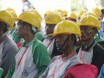 sejumlah-pekerja-konstruksi-mengikuti-kegiatan-di-dinas-pupr-perkim-kalimantan-utara.jpg