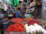 seorang-pedagang-di-pasar-jamaker-nunukan-sedang-melayani-pembeli-cabe-belum-lama-ini.jpg