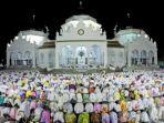 shalat-tarawih-di-masjid-baiturrahman-banda-aceh.jpg