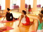 shutterstock-ilustrasi-berlatih-yoga.jpg