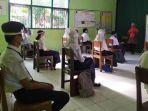 siswa-siswi-di-smp-negeri-6-purwokerto-saat-memulai-pembelajaran-tatap-muka.jpg