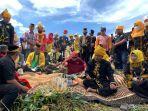 situasi-ritual-adat-paser-di-sungai-sesumpu-dalam-rangka-festival-adat-paser.jpg