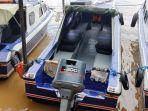 speedboat-ardian-tambat-di-dermaga-pasar-pagi.jpg