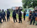 suasana-aparat-kepolisian-menjaga-ketat-lokasi-penyerangan-warga-di-kecamatan-palaran.jpg