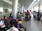 suasana-bagian-di-depan-pintu-keberangkatan-terminal-bandara-apt-pranoto.jpg