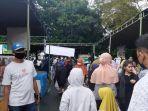 suasana-keramaian-pasar-ramadhan-di-gor-segiri-samarinda-pada-hari-pertama-ramadhan.jpg