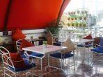 suasana-luar-ruangan-di-restoran-honje-kompascomadhika-pertiwi.jpg