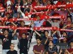 suasana-suporter-indonesia-saat-timnas-indonesia-melawan-timnas-thailand.jpg