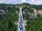 syimgcom-zhangjiajie-glass-bridge.jpg