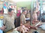 tpid-paser-sidak-pasar-induk-senaken-752019-tinjau-harga-daging-sapi.jpg