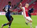 transfer-pemain-akhirnya-manchester-united-resmi-boyong-donny-van-de-beek-dari-ajax-ke-old-trafford.jpg