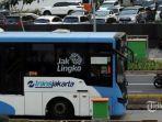 tribunnewsjeprima-bus-transjakarta-melintas-di-kawasan-sudirman-jakarta-selat.jpg