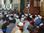 ustad-dasad-saat-memberikan-ceramah-di-masjid-agung-al-faruq-sangatta.jpg