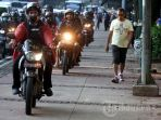 video-anggota-koalisi-pejalan-kaki-dianiaya-pemotor-yang-lewat-trotoar-polisi-ambil-tindakan_20180809_113755.jpg