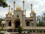 viral-masjid-megah-di-tengah-hutan.jpg