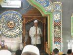 walikota-samarinda-andi-harun-menyampaikan-khutbah-dalam-agenda-safari-jumat-di-masjid.jpg