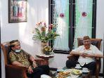 zainal-arifin-paliwang-duduk-bersama-wakil-gubernur-kalimantan-utara-udin-hianggio.jpg