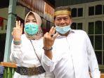 zainal-bersama-istri-ya.jpg