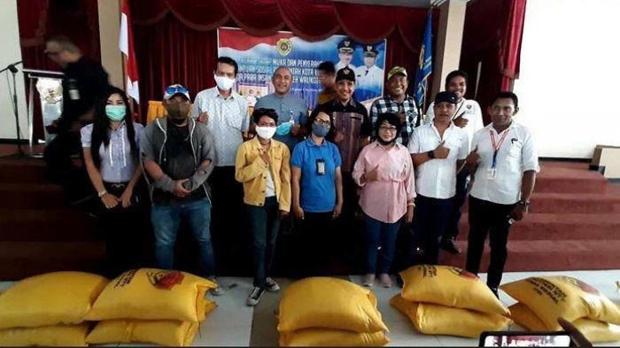 163 Wartawan Warga Kota Kupang Terima Bansos Covid-19