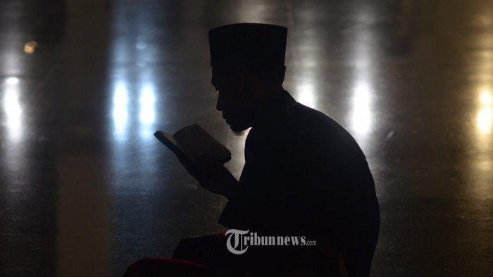 Bacaan Doa Qunut Nazilah, Doa Qunut Subuh & Tata Caranya. Lengkap Tulisan Arab & Latin serta Artinya