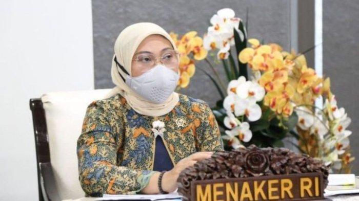 Menaker Ida Fauziyah saat memimpin Rapat Koordinasi (Rakor) PPKM Darurat dengan Kadis Ketenagakerjaan provinsi dan kabupaten atau kota seluruh wilayah Jawa - Bali, serta Kadin dan Apindo secara virtual, Jumat 8 Juli 2021.