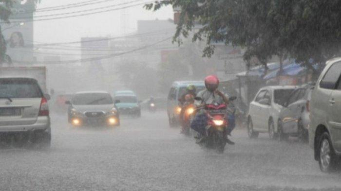 Berpotensi Hujan Lebat Besok Kamis 22 Juli 2021,BMKG Beri Peringatan Dini 13 Wilayah Ini, Cek Lokasi