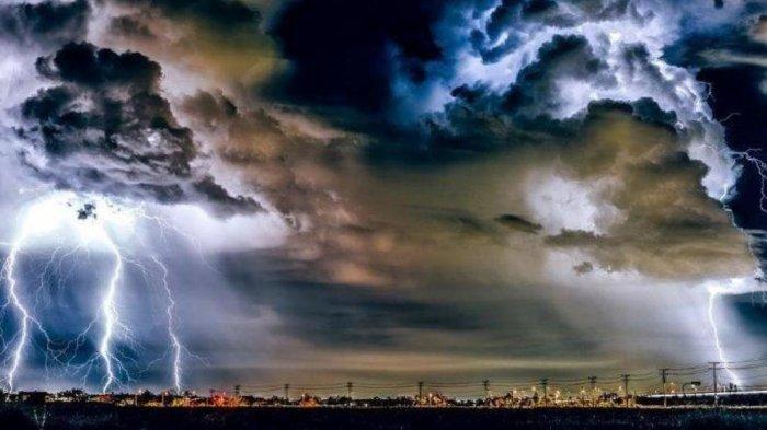 Peringatan Dini BMKG Sabtu 19 Juni 2021: Waspada 22 Wilayah Ini Berpotensi Alami Cuaca Ekstrem