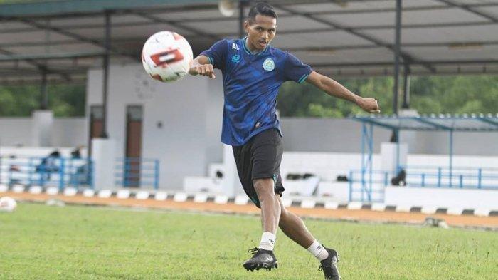Abduh Lestaluhu pemain bertahan TIRA Persikabo keluar dari skuad berjulukan Laskar Padjajaran pada Liga 1 musim 2021 ini