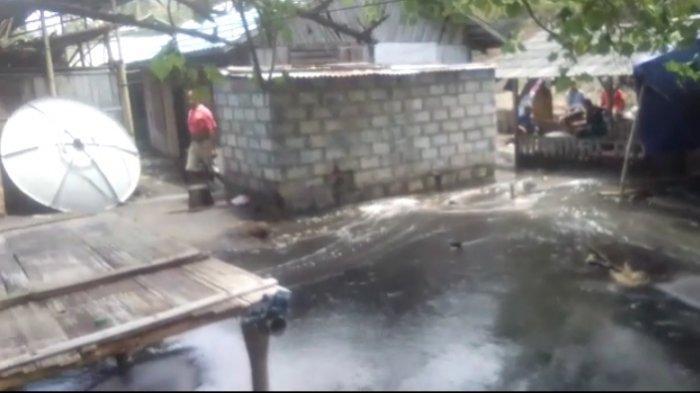 Di  Sikka - NTT, Abrasi Melanda Kecamatan Lela, 38 Rumah Warga Terendam Air ,Simak Info