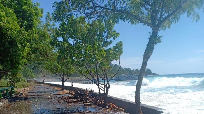 Abrasi Ancam Pesisir Palue, Merusak Jalan Raya dan Perahu Nelayan, Manto: Pemkab Sikka Segera Atasi