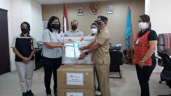 Ace Hardware Beri Bantuan Hazmat untuk Tenaga Kesehatan di Kota Kupang
