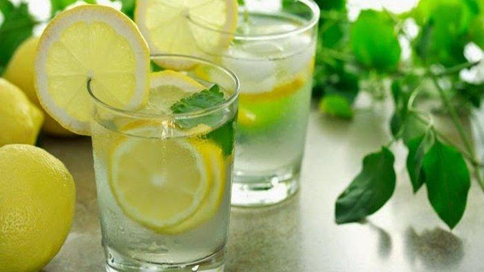 Minum Air Lemon dan Madu Setiap Sahur Ramadan, Rasakan Manfaat Luar Biasa Ini di Tubuhmu Guys