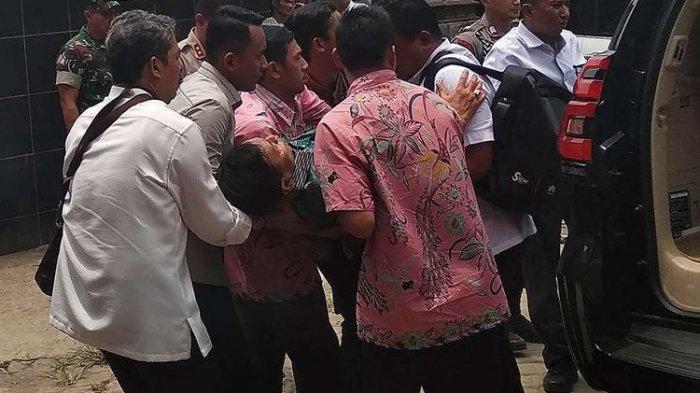 Akhirnya Terungkap Ternyata Ini Penyebab Menko Polhukam Wiranto Jadi Sasaran Serangan