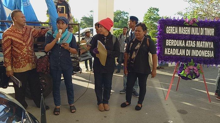 Meski Jakarta Runtuh Tak Meruntuhkan Semangat Perempuan NTT Bela Keadilan