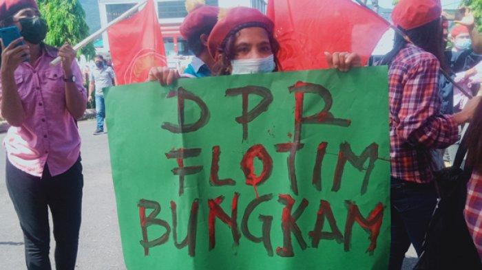 Aksi Demonstrasi PMKRI Flotim Soroti Penggunaan Anggaran Covid-19 dan LKPj Bupati 2020