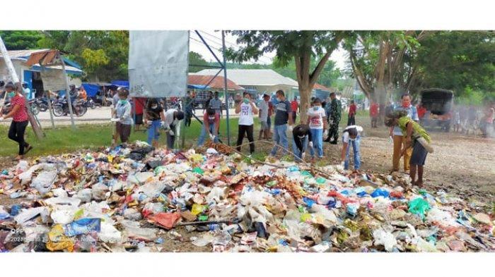 Aksi Moril Warga Gotong Royong Bersihkan Sampah di Betun