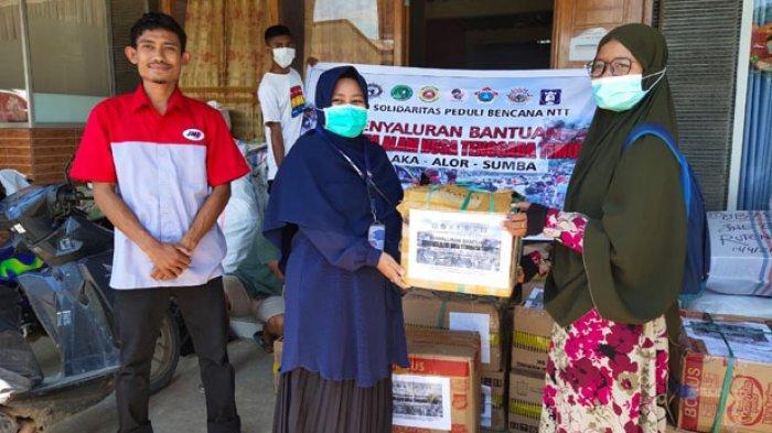 Aksi Solidaritas Peduli Bencana NTT Salurkan Bantuan Kepada Korban Bencana Alam