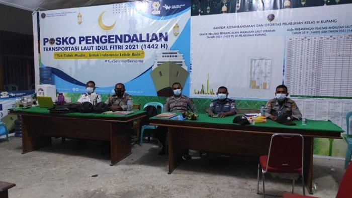Suasana penjagaan di Posko Pengamanan Hari Raya Idul Fitri, Senin (10/5/2021).