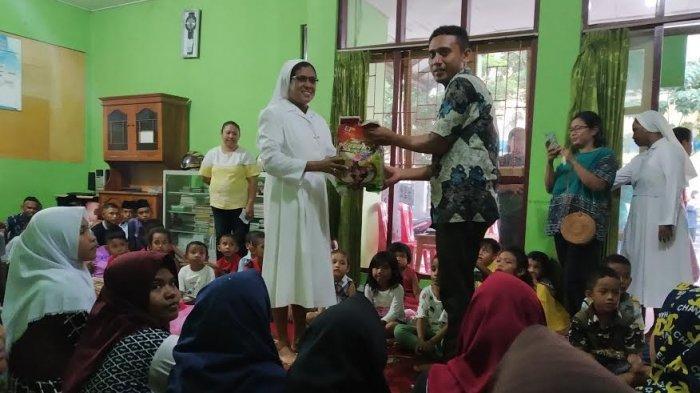 Siswa PAUD Susteran Maria Pia Mastena Berbagi Kasih di Panti Asuhan Aisyiyah