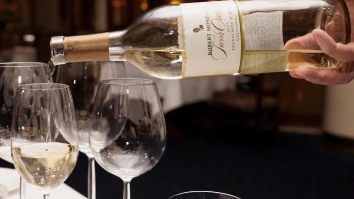 Minuman Alkohol yang Dijual Harus Ada Label Perda Pemda Lembata di Penutup Botol