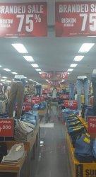 Aneka Model Sepatu dan Sandal Diskon hingga 75 Persen Ramayana Mall Department Store