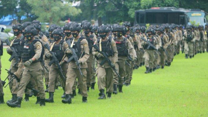 Anggota Brimob Polda NTT BKO Polda Papua Terharu Diberi Penghormatan Khusus Kapolda NTT