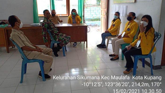 Antisipasi Penyebaran Covid-19, Babinsa Ajak Mahasiswa KKN Taati Prokes Covid-19