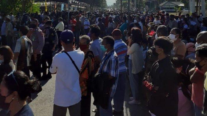 Antre dan Berkerumun, Satgas Kota Kupang Minta Pelaksanaan Vaksinasi Massal Perlu Diatur Ulang